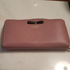 Kate Spade Wallet dusty pink with black bow